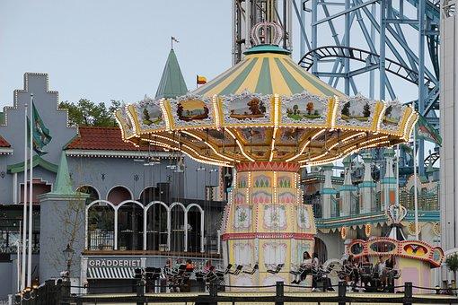 Stockholm, Theme Park, Chain Carousel, Abendstimmung
