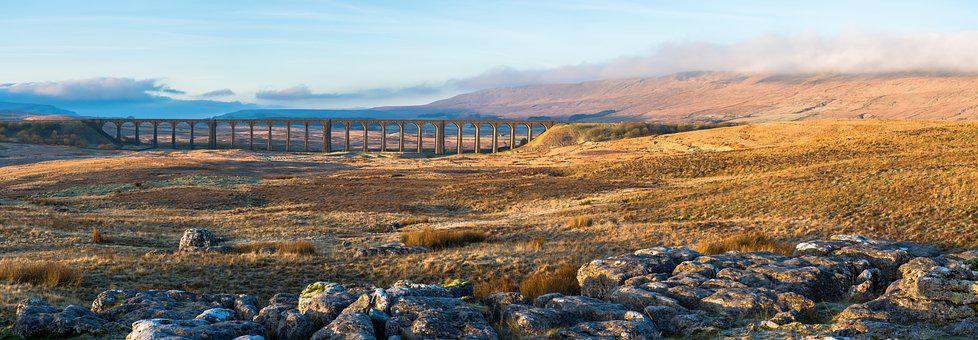 Ribblehead Viaduct, Yorkshire Dales, Whernside, Viaduct