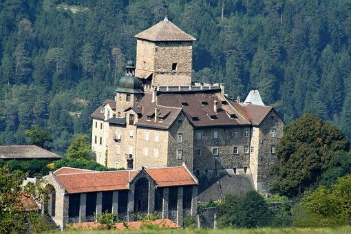 Castle, Nature, Middle Ages, Fortress, Historically