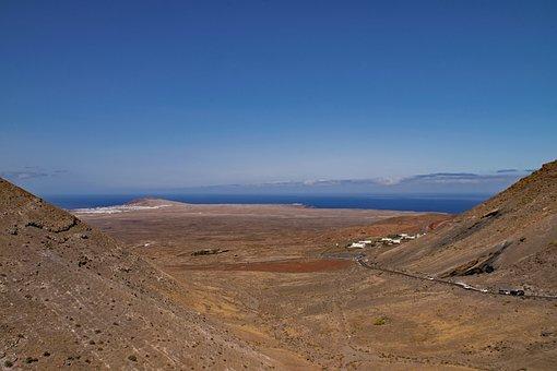 Fermés, Yaiza, Lanzarote, Canary Islands, Outlook
