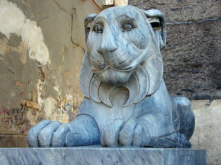 Naples, Plazza-del-plébiscito, Lion, Marble, Statue