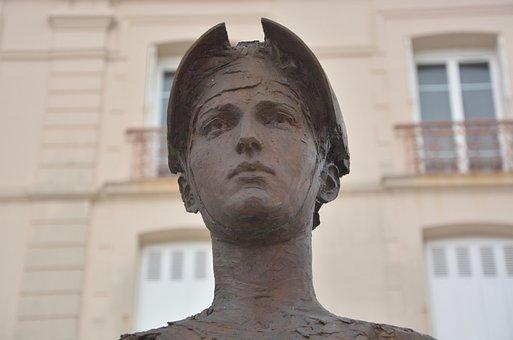 Sculpture, Artwork, Giant, Character, Bust, Dinard