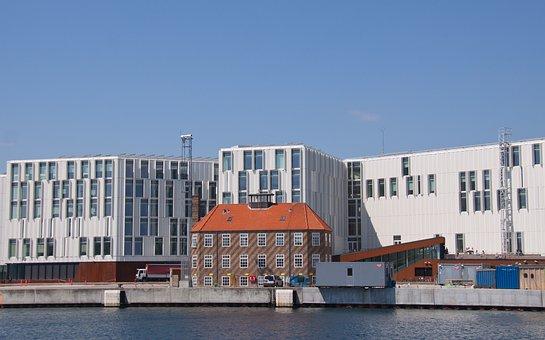Un, Building, Old, Warehouse, Surrounded, Harbour, Quay