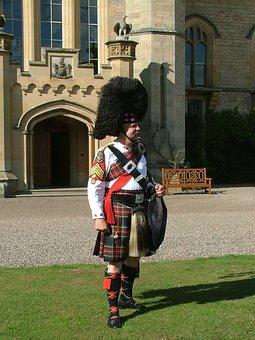 Bag Piper, Scotland, Duns Castle Estate, Wedding, Kilt