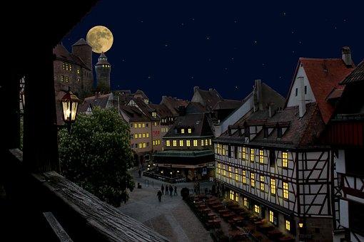 Nuremberg, Castle, Old Town, At Night, Moon, Lights