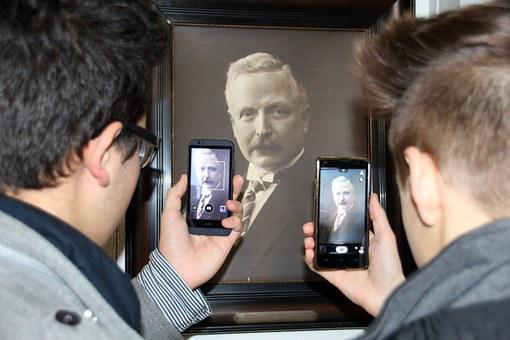 Smartphone, Mobile Phone, Museum, History, Young People