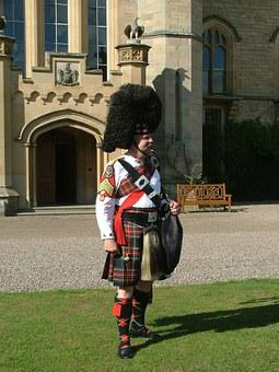 Bag Piper, Scotland, Duns Castle Estate, Wedding, Kilt