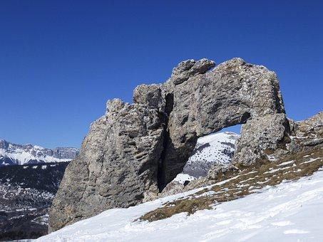 Mountain, Breakthrough Rock, Snow