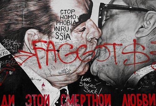 Berlin, Eastside Gallery, Hallo, Graffiti