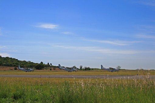 Aircraft, Lined Up, Runway, Cessna Caravan, Fixed Wing
