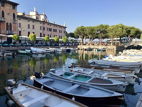 Italy, Desenzano, Lago Di Garda, Lake, Reflection
