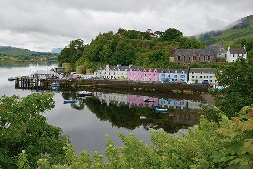 Isle Of Sky, Scotland, Portree, Port