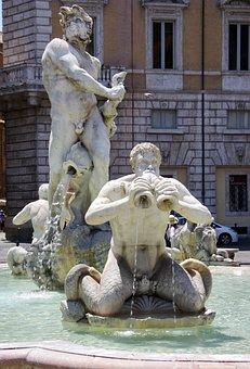 Italy, Rome, Plazza Del Popolo, Fountain, Neptune