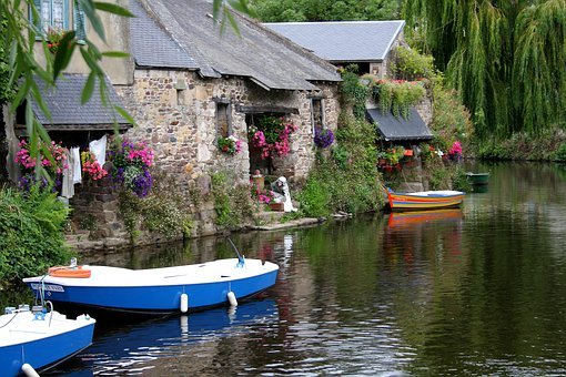 Bretagne, France, Pontrieux, Wash-house, River, Boats