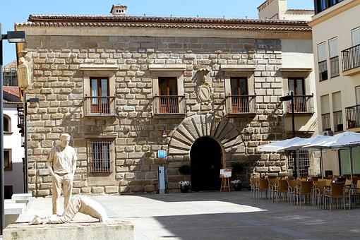 Plasencia Spain, Hotel, Sculpture, State Of Two Men