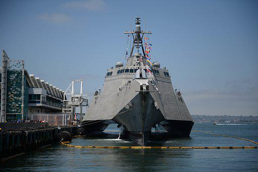 Uss Gabrielle Giffords Lcs 10 Usn, United States Navy