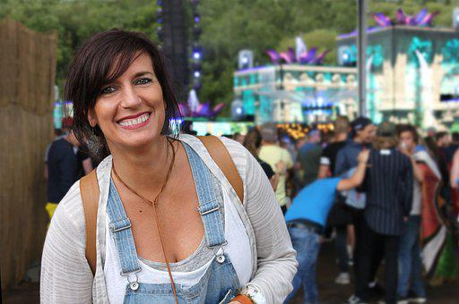 Woman, Festival, Tomorrowland, Smile, Laugh, Friendly