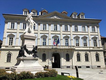 Italy, Domodossola, Municipality, Town Hall, Statue