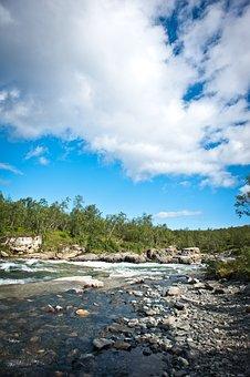 King's Trail, Hiking, River