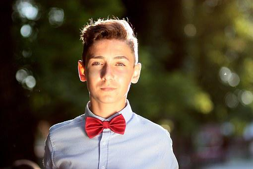 Bath, Bow Tie, Young, Sympathetic, Smile