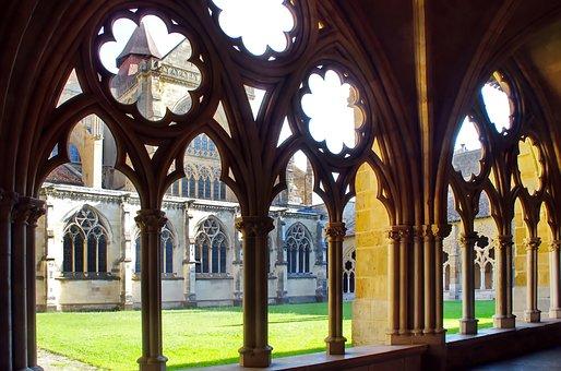 Bayonne, Cathedral, Sainte Marie, Cloister, Pillars