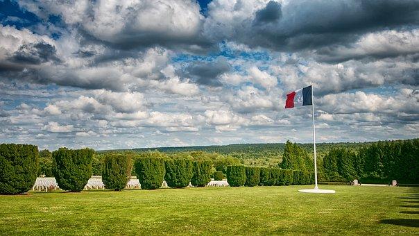 Graves, Douaumont, Verdun, 1914, 1918, France, Bunker