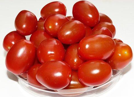 Tomato, Date Tomato, Small, Grown, Solanum Lycopersicum