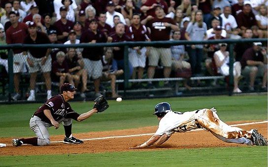 Baseball, Third Base, Play At Third, Diving Into Third