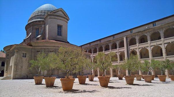 Marseille, Hospital, Courtyard