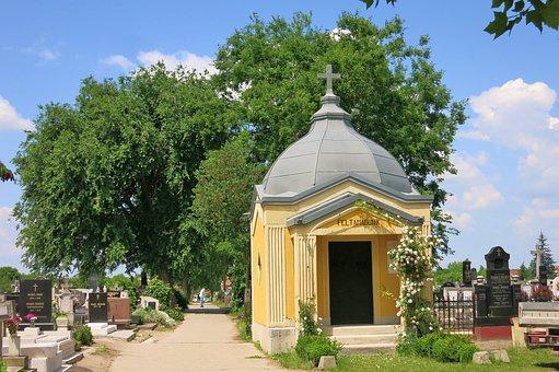 Hungary, Tiszakecske, Chapel, Cemetery, Architecture
