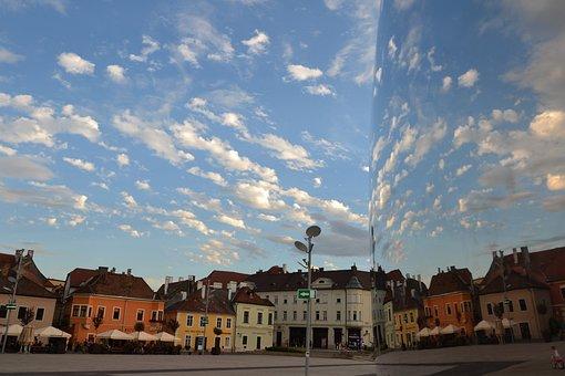 Győr, Dunakapu Square, Statue, Reflection, Square