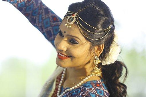 Solo Dancer, Traditional Dancer, Cultural Dancer