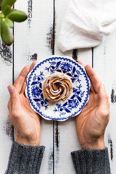 Hands, Wood, Plate, Food, Dessert, Sweets