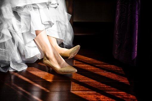 Heel, Shoe, Footwear, Leg, Foot, Dress, Gown, Fashion