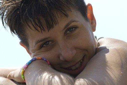 Smile, Girl, Sun, Short Hair, Clear Eyes, Green Eyes
