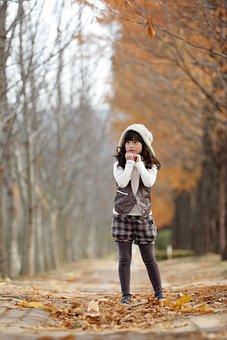Late Autumn, Girl, Racing