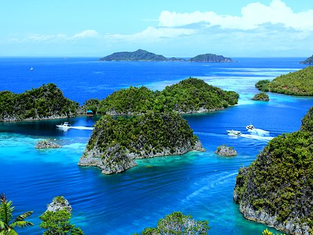 Piaynemo, Raja Ampat, Indonesian, West Papua, Sea