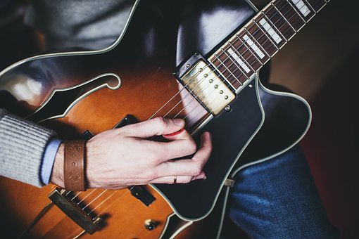 Guitar, Pick, Strings, Hands, Musician, Music, Audio