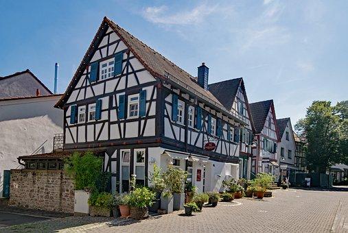 Dreieich, Three Oak Grove, Hesse, Germany, Old Town