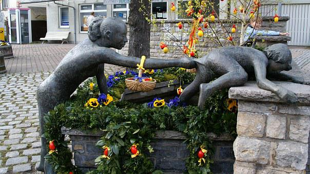 Freiberg Am Neckar, Fountain, Linden Fountain, Easter