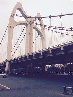 Chengdu, Qingshui River Bridge, Lounging