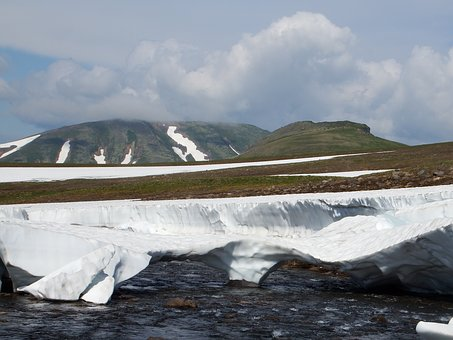 Kamchatka, Mountain Plateau, Tundra, Volcano, The Snow