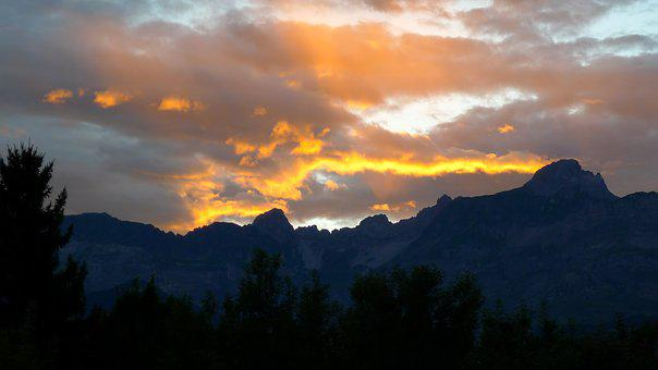 Lying, Sun, Saint-gervais, Alps, Mountains, Clouds