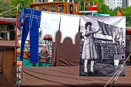 Barge, Boat, Maritime Museum, Optical Illusion, Joke
