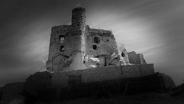 Castle, On Stage, The Ruins Of The, Mirow