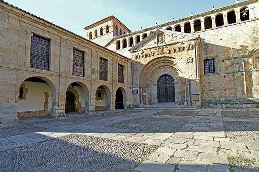 Santillana Del Mar, Saint Juliana, Torrelavega