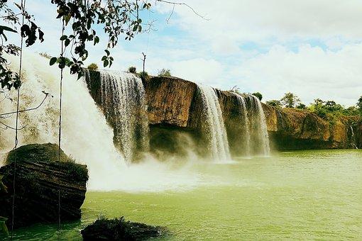 Thac, Chup, Hung, Khac Provides Beautiful Lamlam