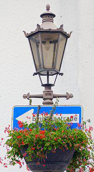 Street Lamp, Traffic Sign, Funny Picture, Funny