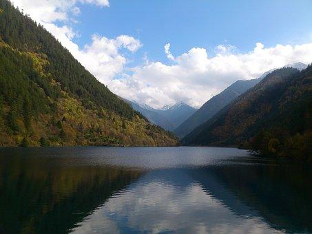 Jiuzhaigou, Sichuan, Hazel