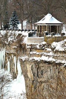 Scenic Lookout Building, Niagara Falls, Winter, Snow